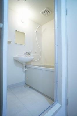 【浴室】オンワームリー