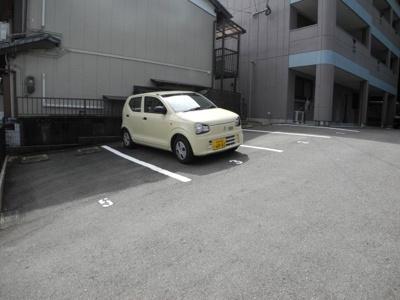 【駐車場】エミアリー