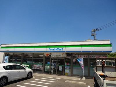 ファミリーマート八幡田町店まで1,009m