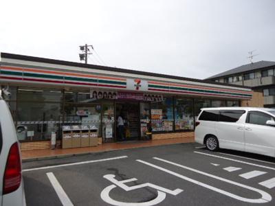 セブンイレブン若松鴨生田店まで188m