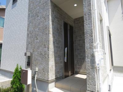 【玄関】川越市吉田 可変型4(5)LDK+ロフト+カースペース2台 新築戸建