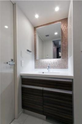 【洗面所】パークリュクス三宿 2人入居可能 独立洗面台 バストイレ別 宅配BOX