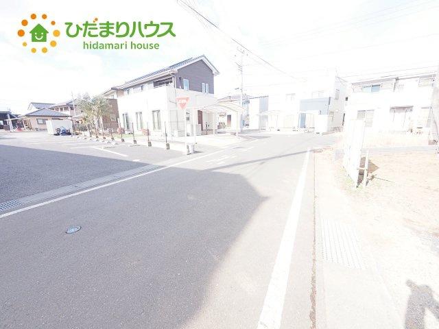 【前面道路含む現地写真】結城市結城31期 新築戸建 1号棟