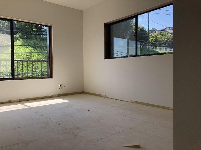 2階に洋室1。眺望良好です。