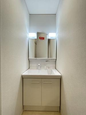 洗面所は1階と2階の2箇所に設置されてます♪