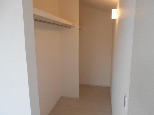 2階東側洋室(7.2帖)にあるウォークインクローゼットです