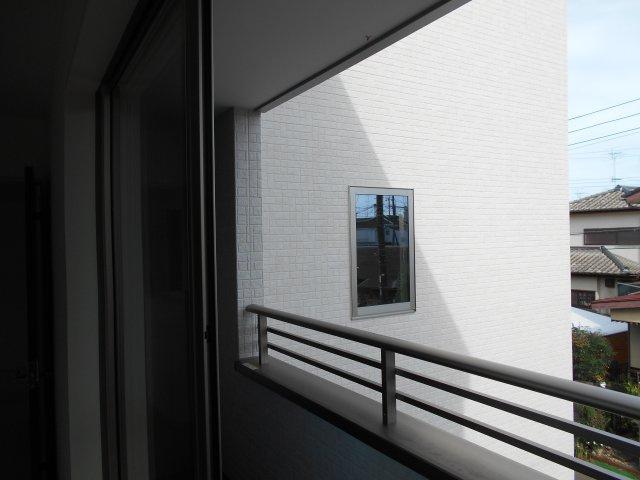2階西側洋室(6.5帖)前のインナーバルコニー