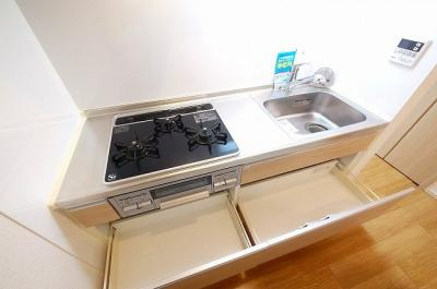 キッチン用品の収納にも困りませんね。