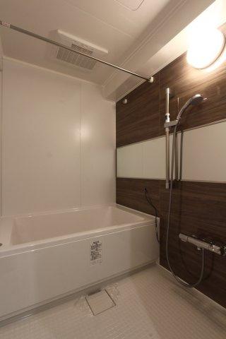 浴室乾燥付きですので、梅雨の時期でもお天気を気にすることなくお洗濯できますね。
