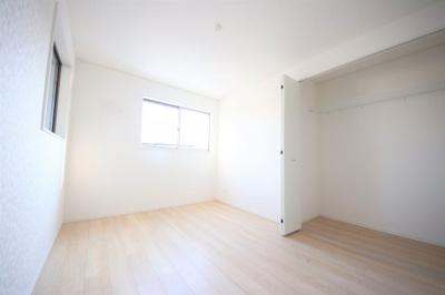 1号棟 ゆったりした洋室です
