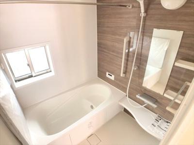 【浴室】足立区一ツ家3丁目新築戸建て【全5棟】