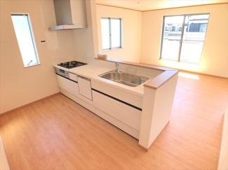 【キッチン】足立区一ツ家3丁目新築戸建て【全5棟】