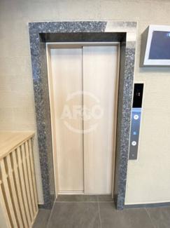 アットリースハウス大国町(事業用) エレベーター