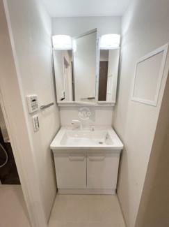 アットリースハウス大国町(事業用) 独立洗面台