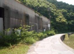 【前面道路含む現地写真】南国市亀岩