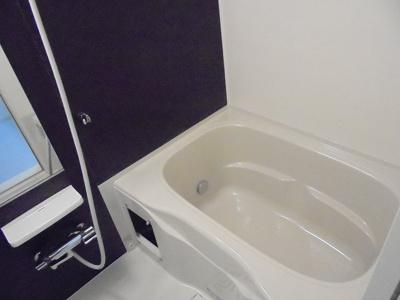 【浴室】モデルノ レジデンス