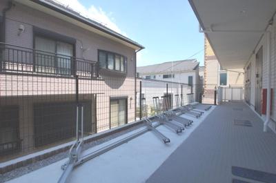 敷地内に駐輪スペースあります。