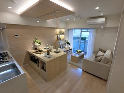 ダイニングテーブルやソファー、ローテーブルなどの家具もしっかりと配置できます。 安心のアフターサービス保証付♪