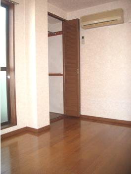 【寝室】メゾンAK バストイレ別 南向き 駅徒歩6分