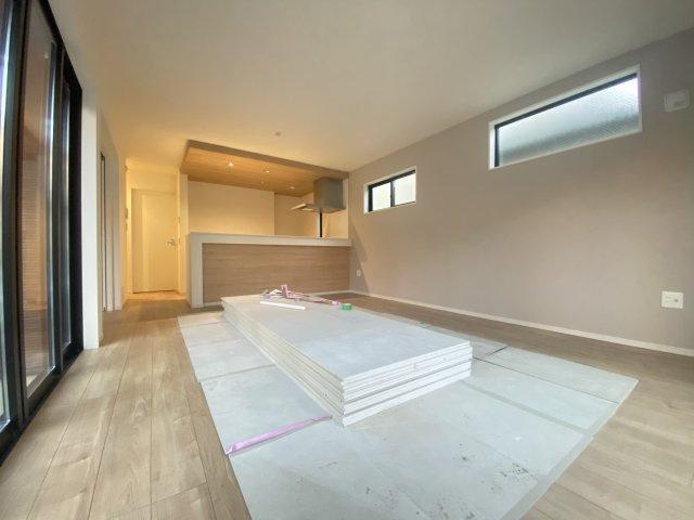 5LDK、土地面積109.7㎡、建物面積108.14㎡ 、カースペースも広々 ゆとりある敷地に大型5LDK邸宅が誕生いたします♪♪