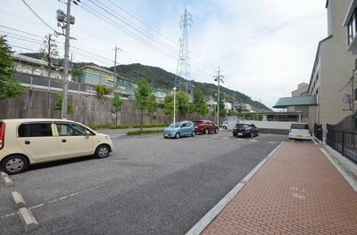 【駐車場】井口台サンハイツ