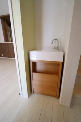 玄関に手洗器があります