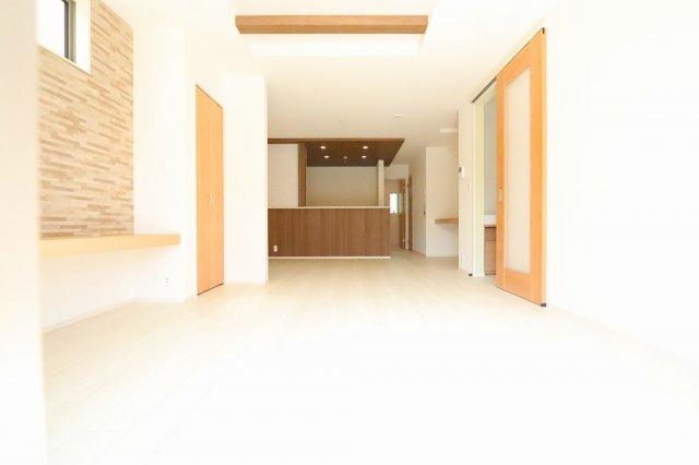 ゆったり過ごせる居間です:建物完成しました♪毎週末オープンハウス開催♪三郷新築ナビで検索♪