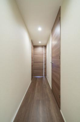 リビングへとつながる廊下です。