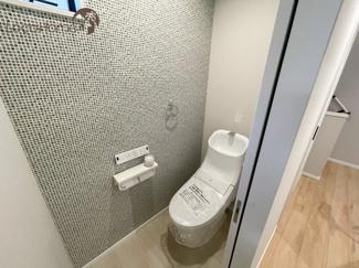 お手洗いは1Fと3Fに二箇所ございます。