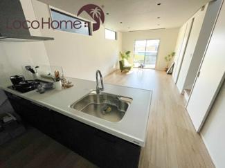こちらは当社施工例です。 浴室はゆったりした広さで、快適なバスタイムを満喫できます。
