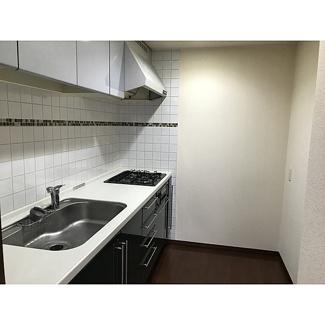 【キッチン】プライマリーナ山下公園グレーシアタワー