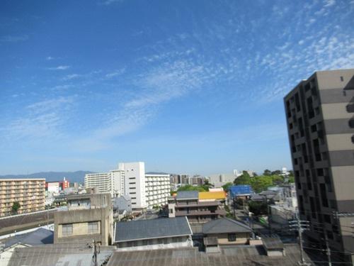 眺望:バルコニーからの眺望     (2021年5月撮影)