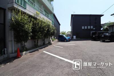 【駐車場】コーポラス和志山