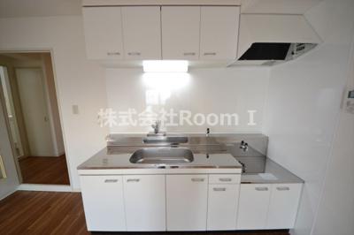 日本らしい落ち着いた雰囲気の和室です 反転