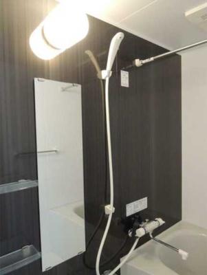 【設備】ラフィネ三軒茶屋 更新料0 独立洗面台 浴室乾燥機 南向き