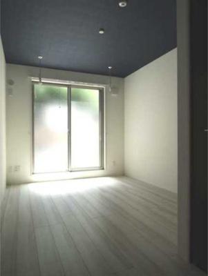 【居間・リビング】ラフィネ三軒茶屋 更新料0 独立洗面台 浴室乾燥機 南向き