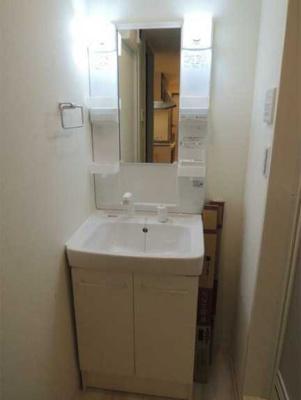 【洗面所】ラフィネ三軒茶屋 更新料0 独立洗面台 浴室乾燥機 南向き