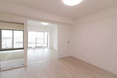 洋室・和室と隣り合わせになっています。