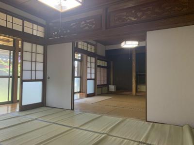 隣の6畳の和室と繋げて広々お使いいただく事も可能です!!