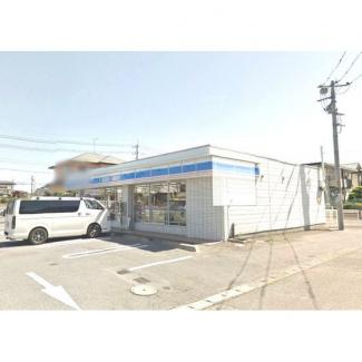 コンビニ「ローソン宇都宮問屋町店まで202m」