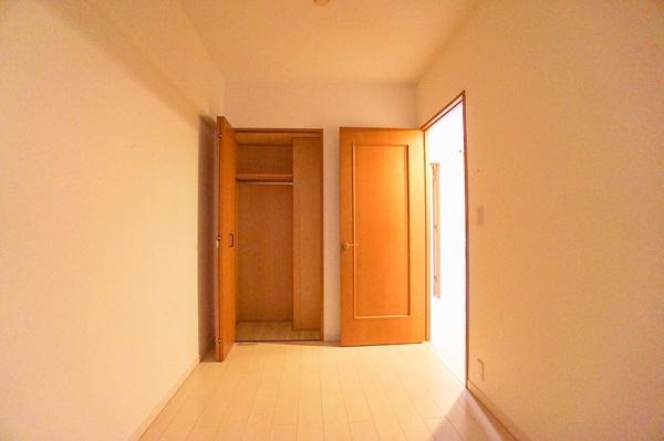 各室収納付きです これだけ収納があると助かりますね。