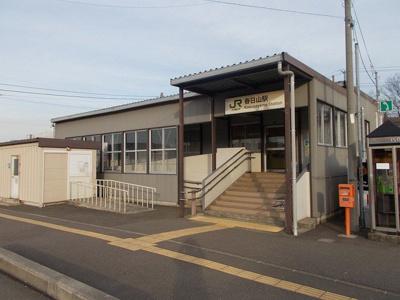 春日山駅まで2000m