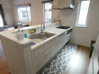 キッチンは約5帖!食洗機付きです!