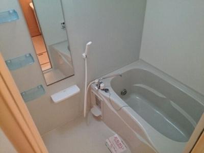 【浴室】ハウスプリムローズ Ⅰ