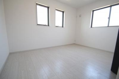 2階 洋室2(6.5帖)