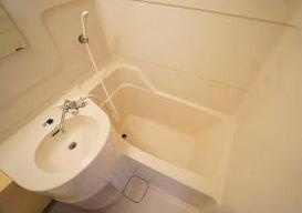 お掃除のしやすい3点ユニット・バスタブ。