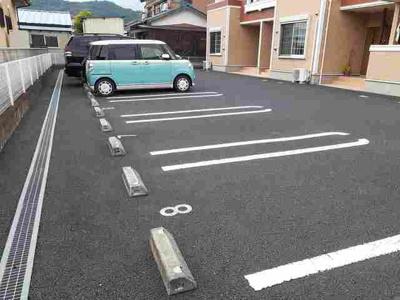 【駐車場】メロウ・リ-フB