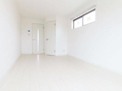 白で統一された明るいお部屋です☆