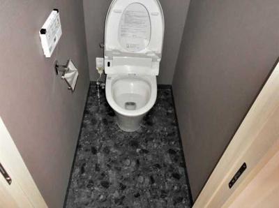 【トイレ】ル・リオン三軒茶屋Ⅲ ペット飼育可 浴室乾燥機 オートロック