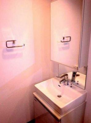 【洗面所】フェニシア三軒茶屋 ペット飼育可 浴室乾燥機 独立洗面台
